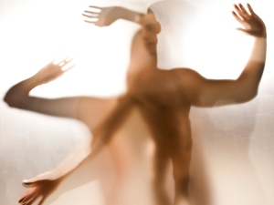 transparent-bodies-moving1