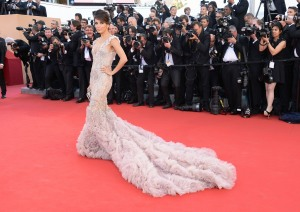 http://www.dailygloss.com/2012/05/2012-cannes-film-festival-red-carpet-hollywood-glamour-trends-angelina-jolie-brad-pitt/