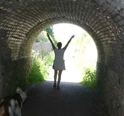 light-at-the-end-of-the-tunnel.jpg (400×375)