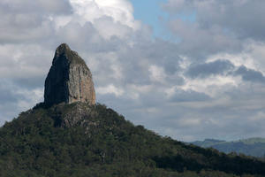 glasshouse-mountains-giant-finger